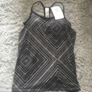 NEW fabletics tank top with built in bra